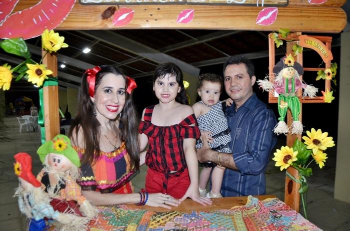 http://inside.meionorte.com/webroot/img/alb_eventofotos/album3311/51b21ae62b.JPG
